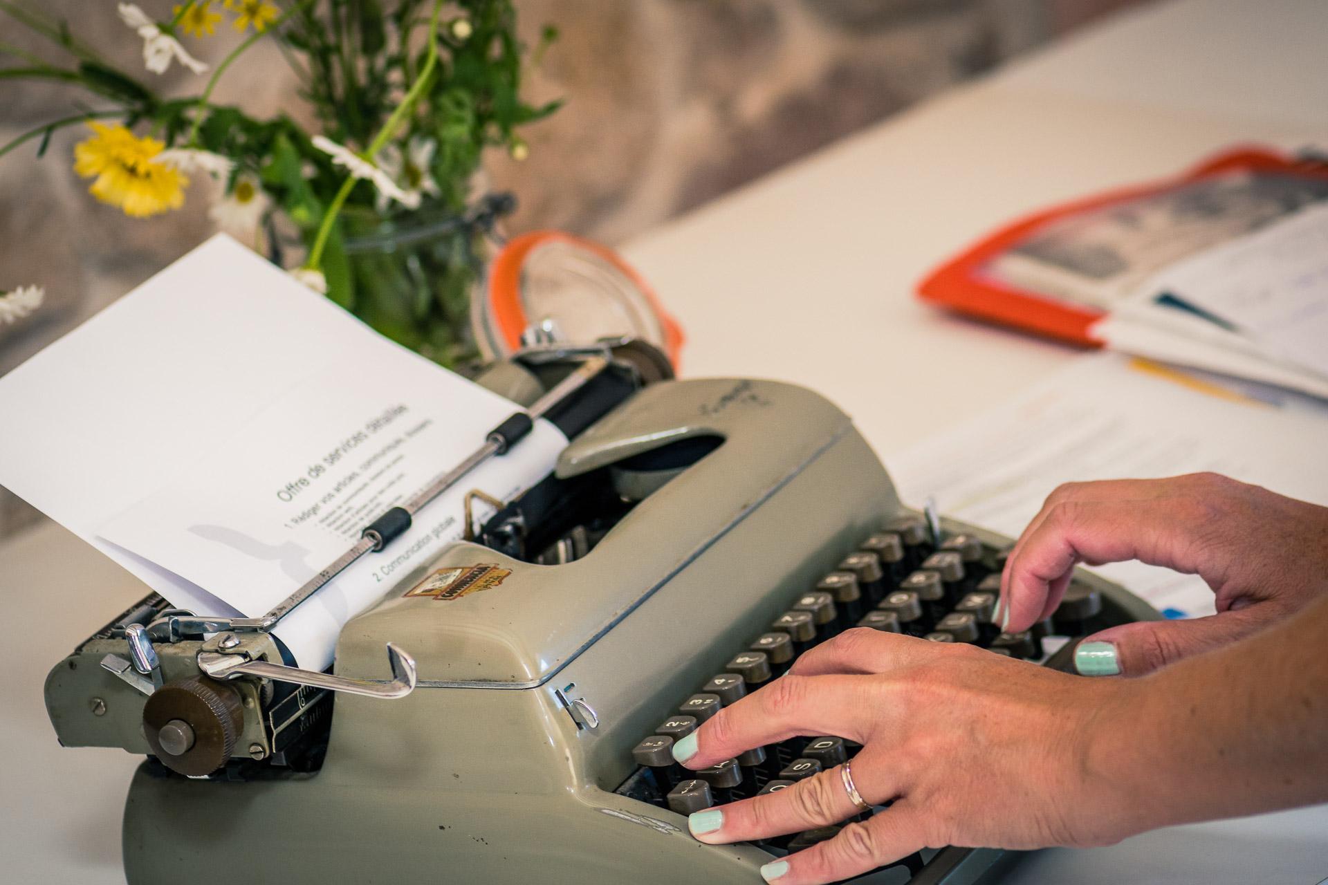 rédaction articles, communiqués, dossiers